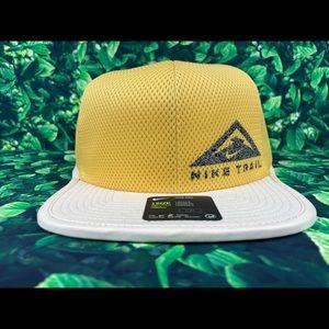 Nike Pro Dri-Fit Trail Cap/Hat Yellow/Black Hat